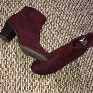 Old Navy burgundy faux suede ankle boots